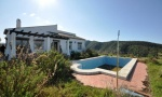 007. CORTIJO / Country house in the mountains, near Velez-Malaga. PRICE : 120.000,- €